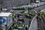 VIDEO: France nation-wide protests over fuel tax