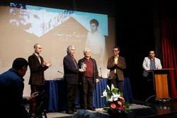 هنرمند پیشکسوت صدا تجلیل شد/ مردی که ۶۰ سال در دوبله تاخت