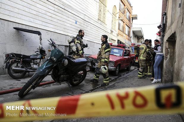 آتش سوزی انبار پوشاک در بازار تهران