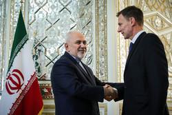 تہران میں ایران اور برطانیہ کے وزراء خارجہ کی گفتگو