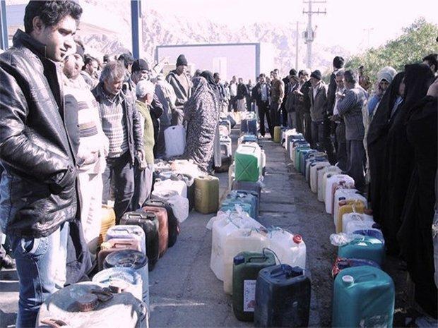 توزیع سوخت در مناطق زلزلهزده/ ۱۰۰ هزار خانوار مشترک نفت سفید