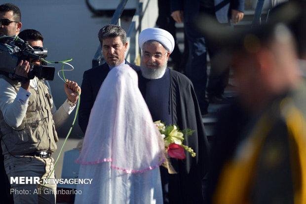 روحاني بين حشد جماهيري حاشد في محافظة آذربيجان الغربية