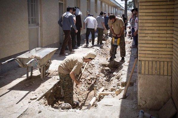 نیروهای جهادی در کنار ستاد اجرایی فرمان امام؛ برای محرومیت زدایی