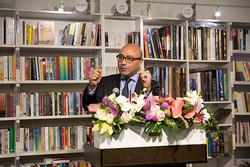 کتاب نویسنده آلمانی-ایرانی رونمایی شد/مردم ایران برایم مهماند