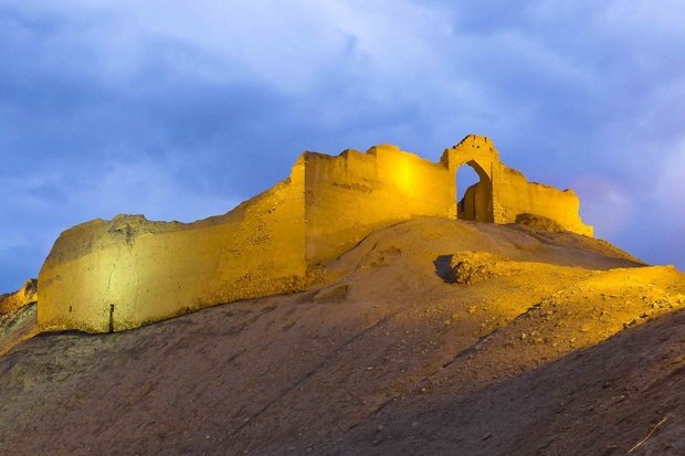 قلعه اژدهاپیکر ظرفیت بزرگ گردشگری فارس/ افسانه های قلعه بازگو شود