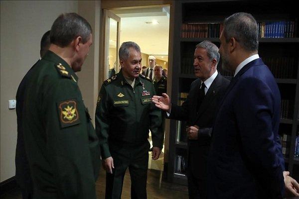 دیدار وزرای دفاع ترکیه و روسیه