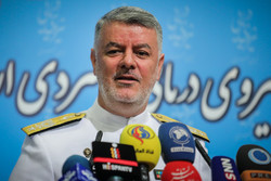 'Fateh' submarine to surprise Iran's enemies: Navy cmdr.