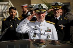المؤتمر الصحفي لقائد القوة البحرية في الجيش الايراني / صور