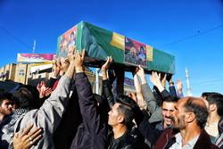 فلم/ قم میں تین مدافع حرم شہیدوں کی تشییع جنازہ
