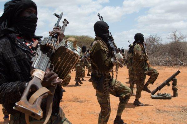 Somali'de otele bomba yüklü araçla saldırı: 6 ölü