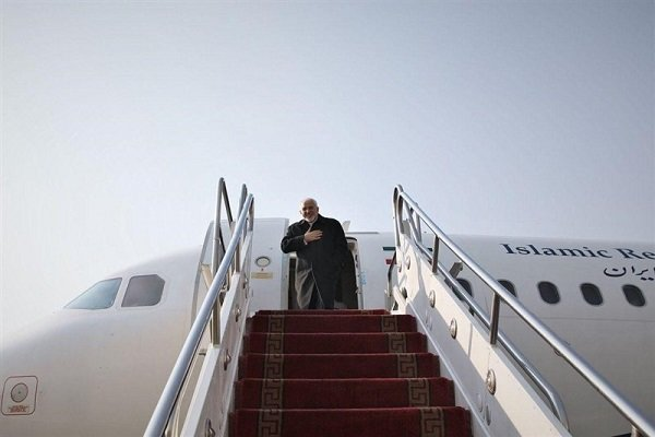 ظريف يتوجه إلى موسكو لإجراء مباحثات مع نظيره الروسي