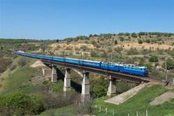 احداث خط آهن رشت-آستارا به شرکت ساخت و توسعه واگذار میشود