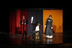 ۱۱ نمایش در همدان روی صحنه میرود