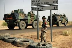 ۱۶ کشته در حمله مسلحانه به اردوگاه نظامی در نیجر