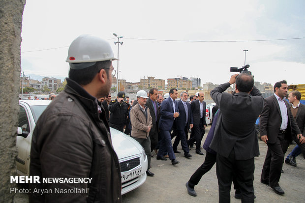 Interior min. lands in Sanandaj