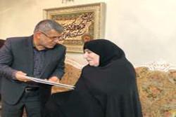 سرپرست استانداری تهران با خانواده شهید اهل تسنن دیدار کرد