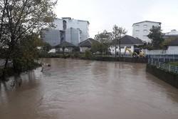 بارش برف و باران در گیلان/جاری شدن سیلاب در مناطق غربی