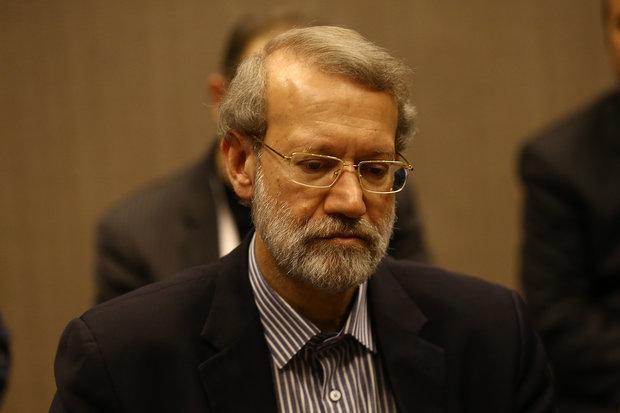 """مذكرة مسائلة """"علي لاريجاني"""" تُسلم للهيئة الرئاسية لمجلس الشورى"""