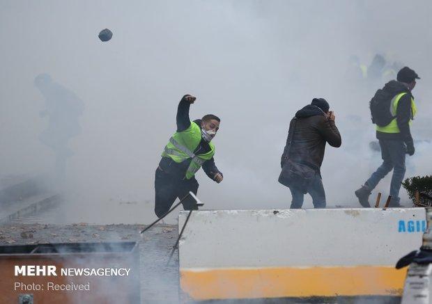 اعتراضات پاریس با چاشنی خشونت