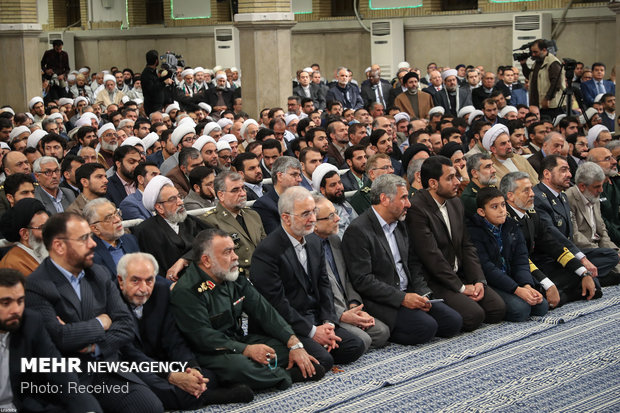 Meeting of govt. officials, participants in Islamic Unity Conf. met with Iran's Leader