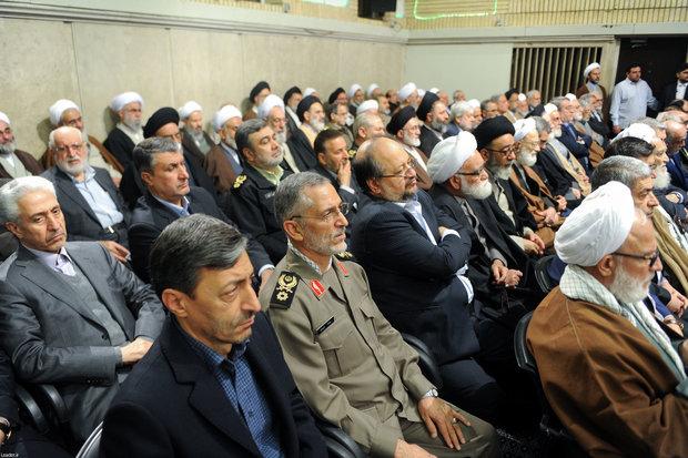 Participants of Islamic unity conference meet Ayatollah Khamenei