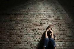 نابودی جوانان غربی در سایه گسترش اختلالات روانی/ انگلستان بیمارستان روانی نوجوانان