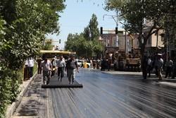 آسفالت خیابانهای شهر شادگان با جدیت اجرا می شود