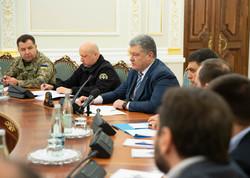 یوکرائن میں روس کے ساتھ کشیدگی کا مقابلہ کرنے کے لئے ماشل لاء نافذ