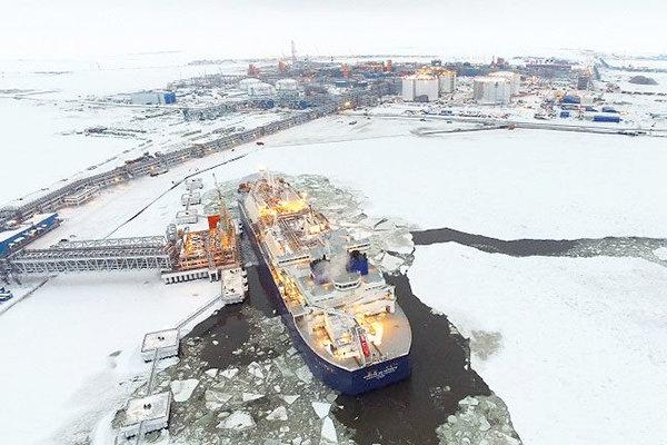 روسیه ۱۰ درصد سهام پروژه الانجی ۲ را به توتال فروخت