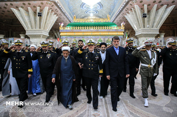 Navy commanders renew allegiance with Imam Khomeini's Ideals