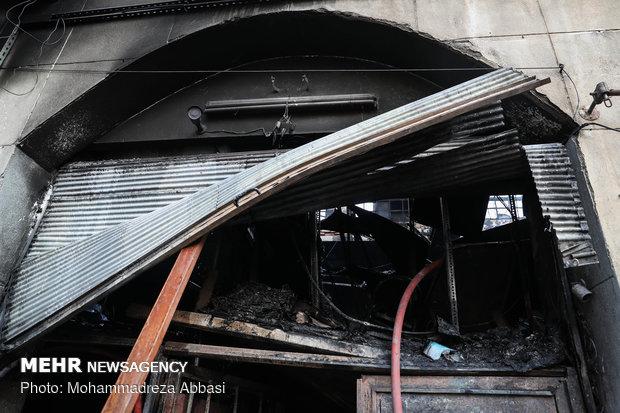 آتش سوزی در انبار لوازم خودرو در خیابان امیر کبیر تهران