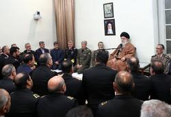 قائد الثورة يستقبل قادة ومنتسبين في الشرطة الايرانية / صور