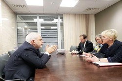Zarif discuss regional issues with Swedish counterpart