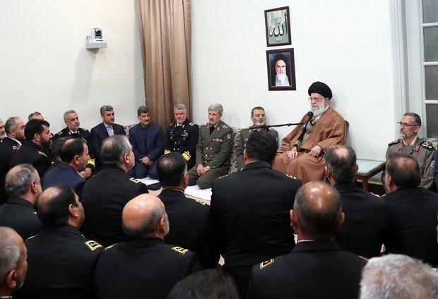 Navy commanders meet Ayatollah Khamenei