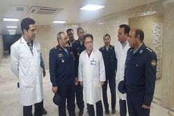 فرمانده نیروی هوایی ارتش از بیمارستان بعثت بازدید کرد