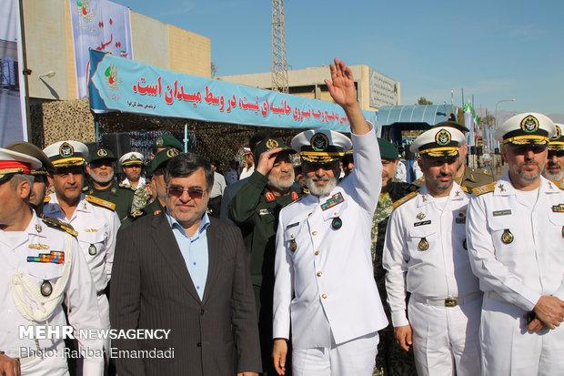 """مراسم تعويم مدمرة """"سهند"""" في ميناء """"بندر عباس"""""""