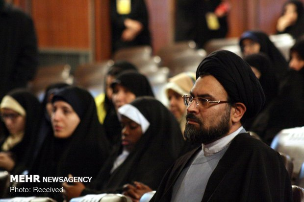 Tehran Univ. hosts 1st new Muslims gathering
