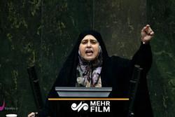 پروانه سلحشوری: من دو حجاب دارم!