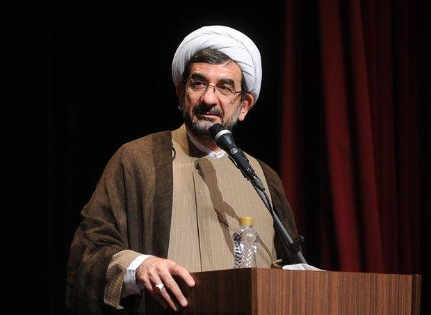 تفکیک بین انقلاب اسلامی و جمهوری اسلامی/انقلاب با سرعت پیش میرود