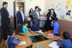 دانشآموزان مدرسه استثنایی شفق یزد امروز میزبان مسئولان بودند