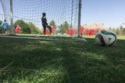 پیروزی پرگل ملوان انزلی مقابل آذرخش/مهناز افشار تماشاگر ویژه بازی