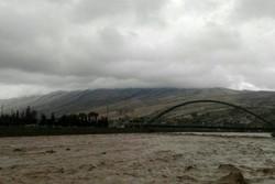 مردم از تردد در مسیر رودخانهها و مناطق سیلابی پرهیز کنند