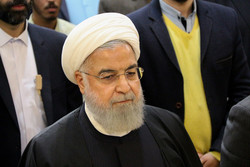 الرئيس روحاني يؤكد عدم قدرة أمريكا على عزل إيران عن العالم