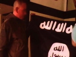چهکدارانی داعش له سهر ئیزنی تورکیا به سنوورهکانیدا تێدهپهڕن