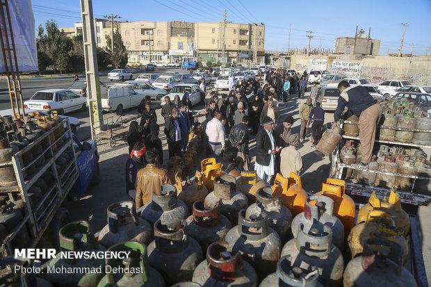 دستور جمعآوری دکههای فروش آزاد کپسول گاز در زاهدان صادر شد