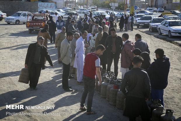 پیگیری دفتر امام جمعه زاهدان در خصوص کمبود سیلندرهای گاز مایع