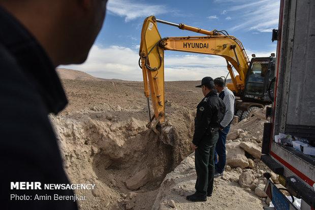 القضاء على 10 اطنان من الادوية المغشوشة في مدينة شيراز