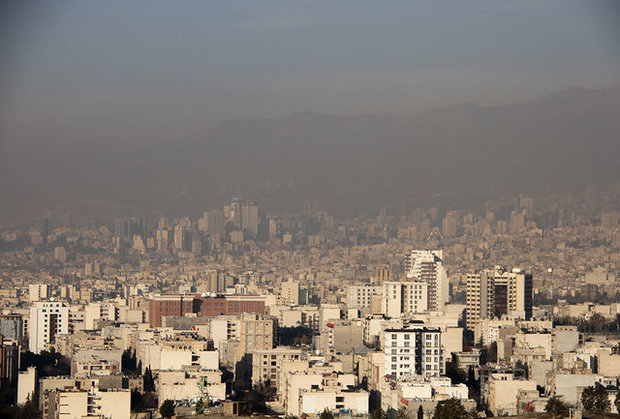 Pollutants hit unhealthy levels in Tehran