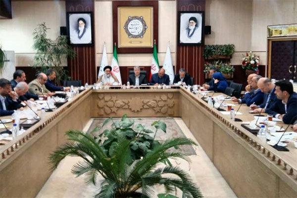 فرمانداران استان تهران بر قیمت کالاهای اساسی نظارت داشته باشند