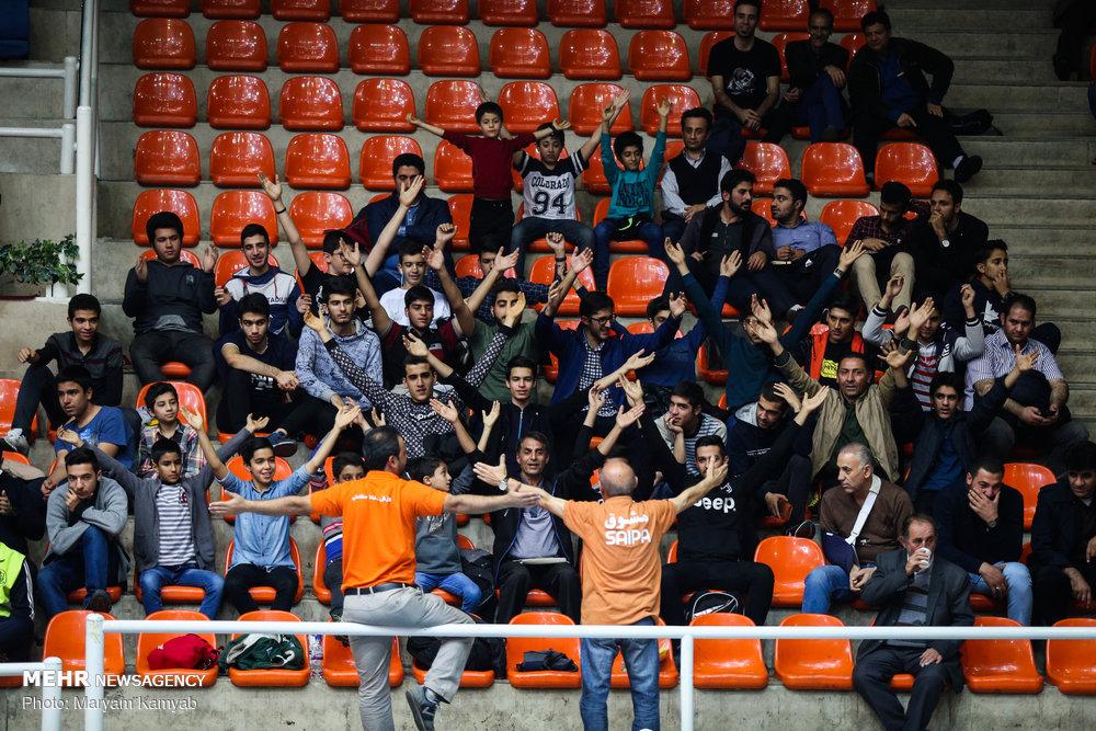 دیدار تیم های والیبال سایپا تهران و شهرداری تبریز